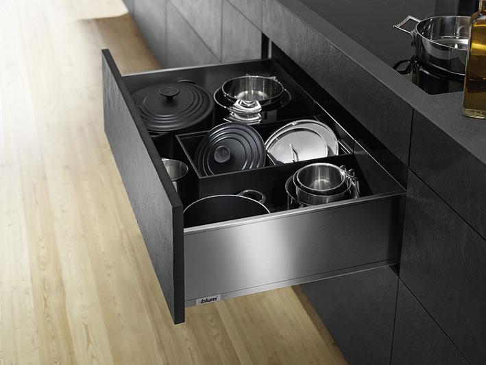 Küche richtig einräumen: Geheimtipps für mehr Platz ...