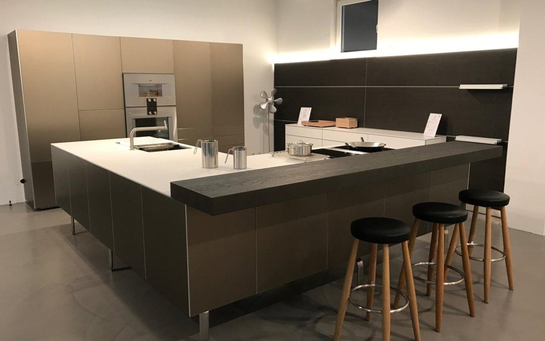 Abverkaufsküchen bulthaup  Aluminium Bulthaup Ausstellungsküche mit Bora, Gaggenau und Miele ...