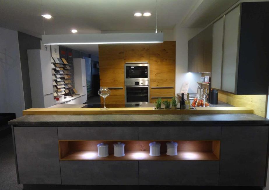 k chen angebote abverkauf von ausstellungsk chen und musterk chen k chenfinder. Black Bedroom Furniture Sets. Home Design Ideas