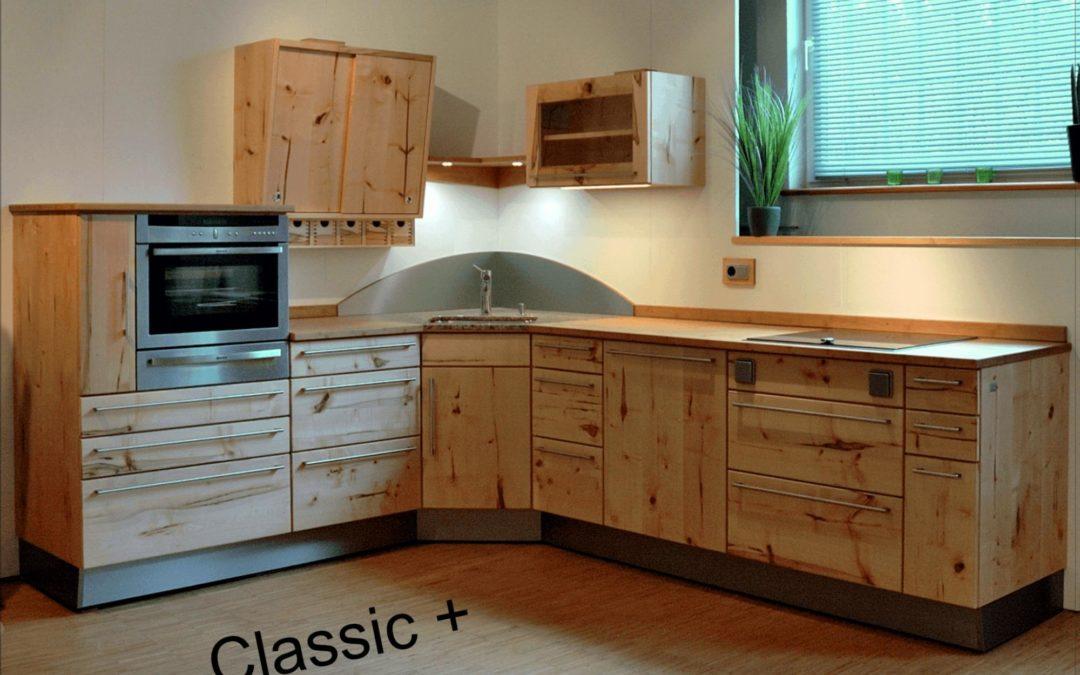 Musterküche aus Massivholz in Aktion: Nachhaltige Massivholzküche aus der Pfister Möbelwerkstatt