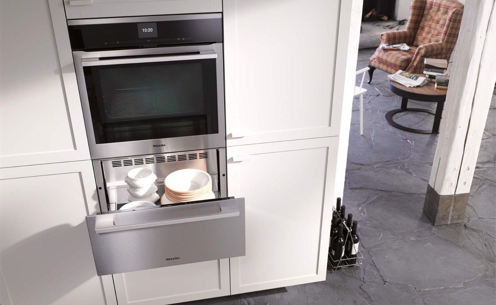 Wärmeschublade in der Küche: Lohnt sich der Kauf? Tipps, Infos & Erfahrungen